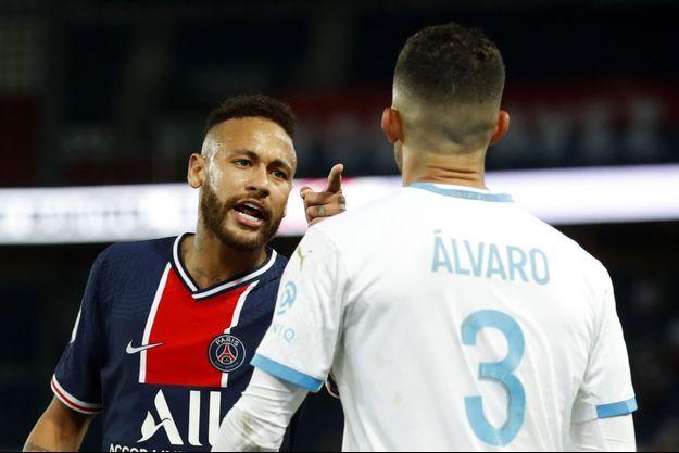 Neymar et Alvaro, lors du match PSG-OM.