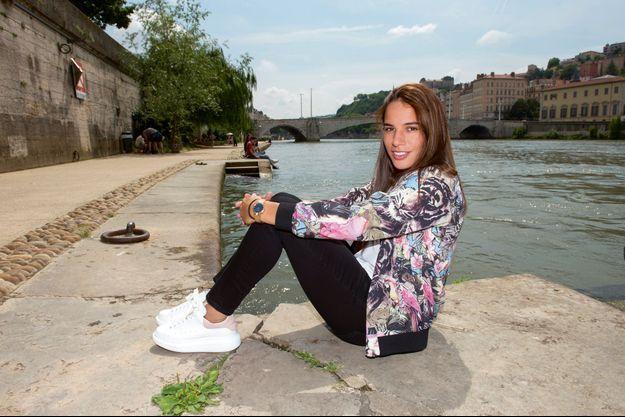 Amel Majri, milieu de terrain de l'Olympique lyonnais, sur les quais de Saône, à Lyon, le 5 juin.