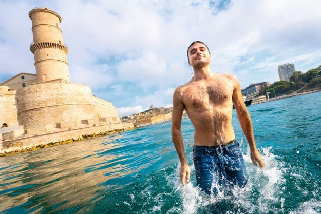 Le 19 août, dans le port de Marseille. « Je me suis mis à la plongée lors de parties de pêche sous-marine avec mon père au large des îles du Frioul, et dans les calanques. C'est un virus grisant et tenace. »