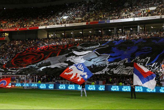 Les supporters lyonnais en tribunes dimanche.