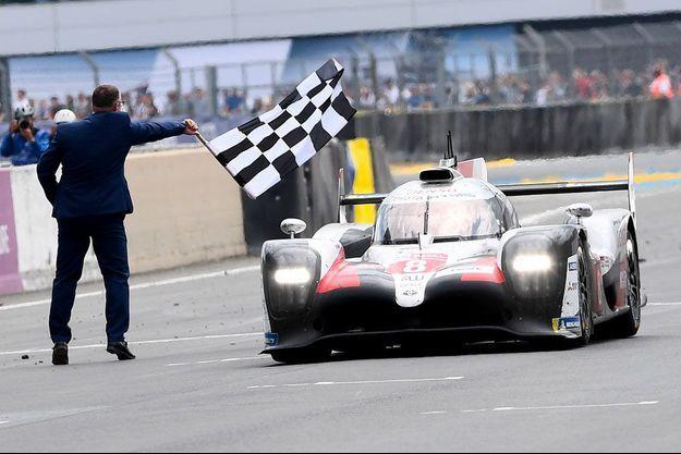 La Toyota victorieuse, dimanche, au Mans.