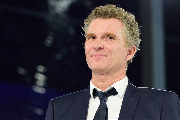 """L'animateur de """"Koh-Lanta"""", Denis Brognart a déclaré un hommage aux victimes de """"Dropped"""" avant son émission."""