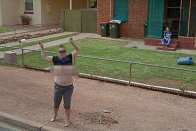 Karen Davis a été arrêtée pour avoir montré ses seins sur Google Maps.