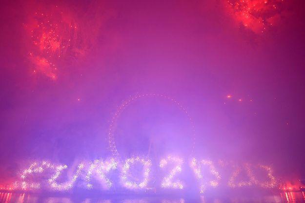 Célébrations du Nouvel an au London Eye, à Londres, le 1er janvier. Sept matches, dont la finale, se dérouleront au stade de Wembley.