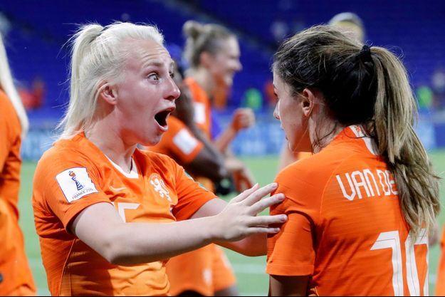 Les joueuses néerlandaises exultent après leur qualification pour la finale de la Coupe du monde féminine.