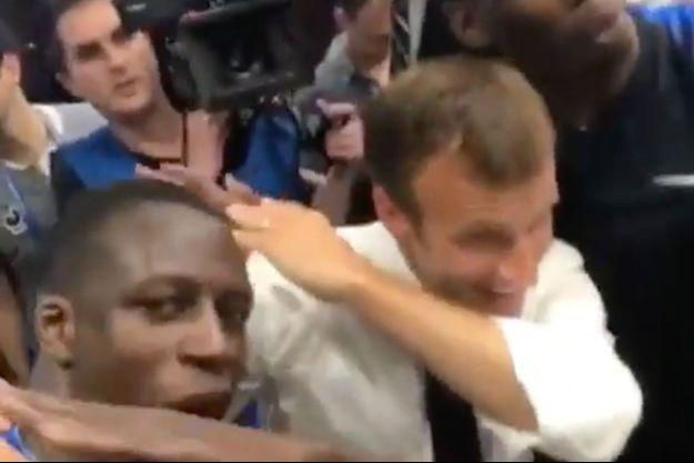 Emmanuel Macron a fait un dab avec Benjamin Mendy et Paul Pogba