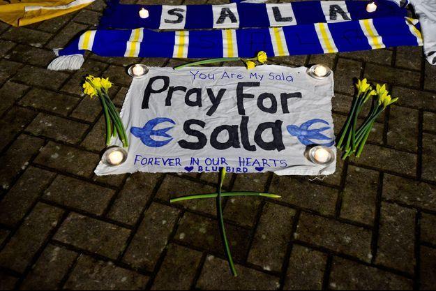 Les proches d'Emiliano Sala ne veulent pas perdre espoir.