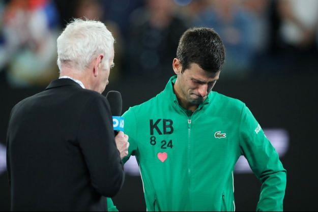 Novak Djokovic, en larmes, évoque Kobe Bryant.