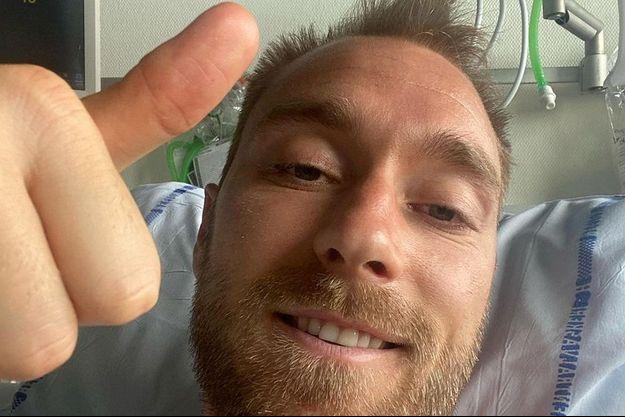 Christian Eriksen sur son lit d'hôpital.