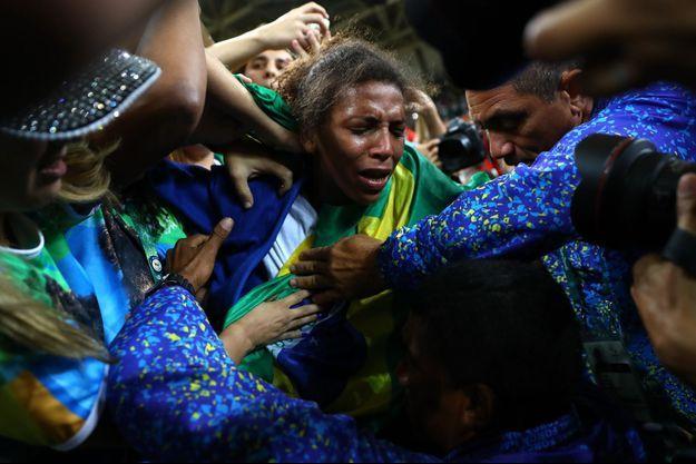 Rafaela Silva au milieu des supporters brésiliens