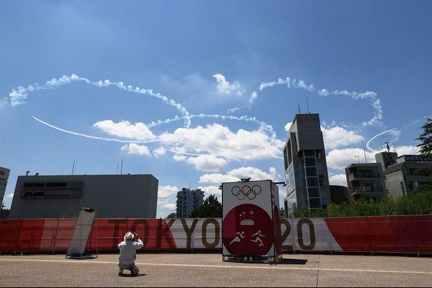 Les premières épreuves des JO de Tokyo ont débuté alors que la cérémonie d'ouverture se tient vendredi.