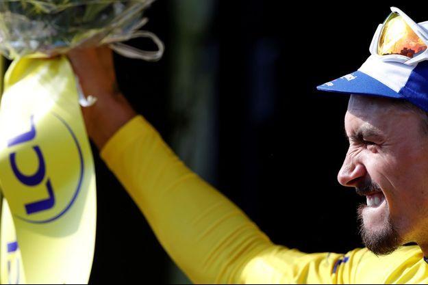 Le Français Julian Alaphilippe a repris le maillot jaune du Tour de France, samedi à Saint-Etienne.