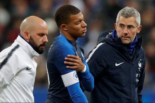 Kylian Mbappé s'est blessé mardi avec l'équipe de France.