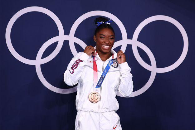 Simone Biles médaillée de bronze à Tokyo.