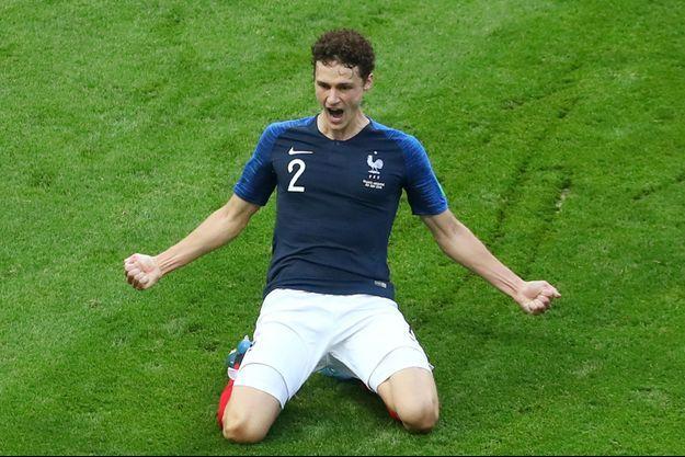 Benjamin Pavard célébrant son but face à l'Argentine.