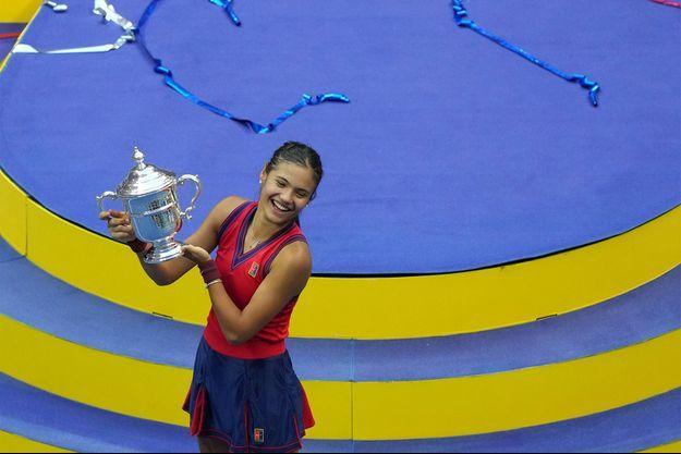 Emma Raducanu, première joueuse de l'histoire issue des qualifications à décrocher un Grand Chelem à l'US Open.
