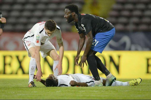 Le footballeur Patrice Ekeng est mort en plein match.