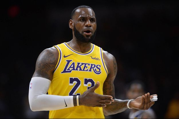 LeBron James sous le maillot des Lakers, un rêve devenu réalité.