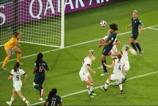 Wendie Renard a inscrit le but de l'espoir face aux Etats-Unis.