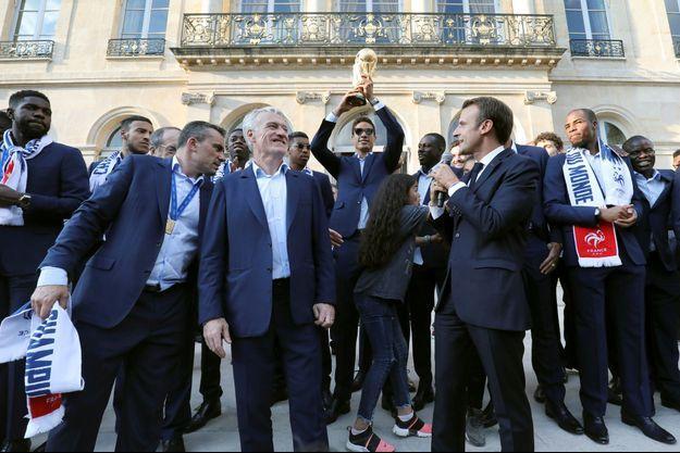Les champions du monde, ici le 16 juillet à l'Elysée, recevront la Légion d'honneur le 4 juin à l'Élysée.