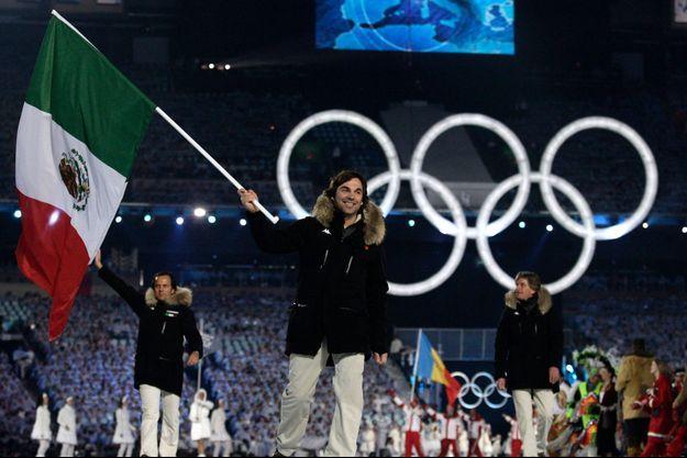 Le prince Hubertus brandit fièrement le drapeau Mexicain, en 2010, aux JO de Vancouver.