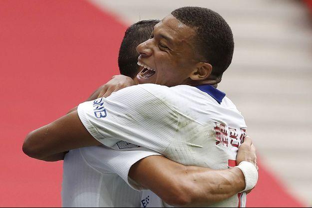 Kylian Mbappé a inscrit le premier but du PSG face à Nice.