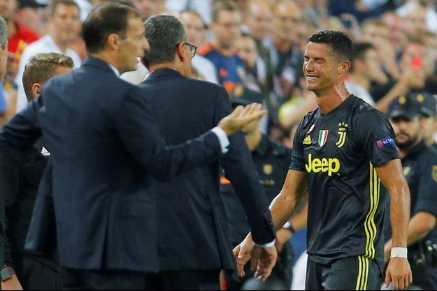 Cristiano Ronaldo en larmes après son expulsion.