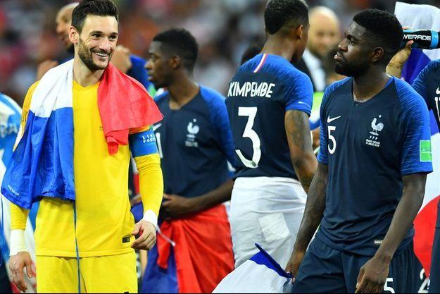 Entre Hugo Lloris et Samuel Umtiti, un regard qui ne trompe pas après la victoire en finale contre la Croatie.