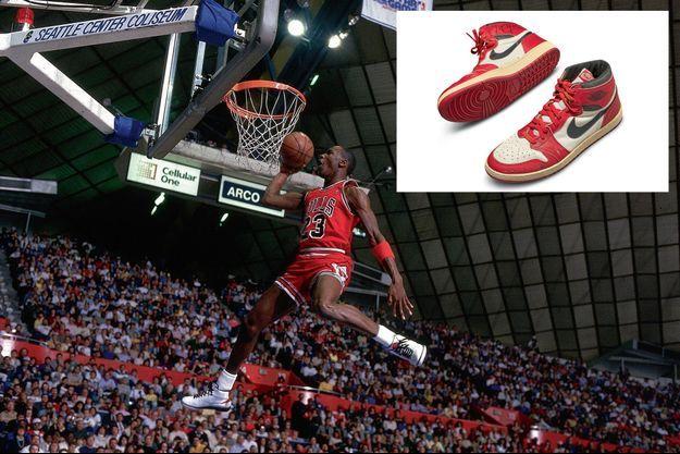 Des sauts de 1,20 mètre. En 1991, les Bulls de Chicago remportent la finale de la NBA. Et Air Jordan, le trophée du meilleur joueur. En médaillon: Les baskets mises aux enchères chez Sotheby's, le 17 mai. C'est le premier modèle créé pour Michael Jordan, celui qu'il portait lors de ses débuts en NBA en 1985.
