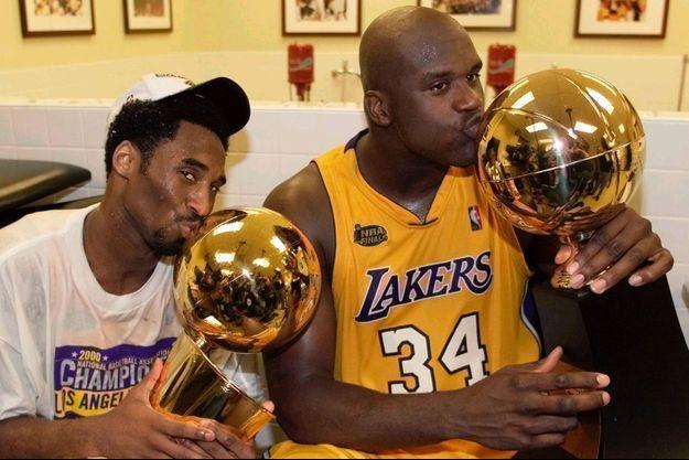Kobe Bryant et Shaquille O'Neal ont remporté deux titres sur le maillot des Lakers.