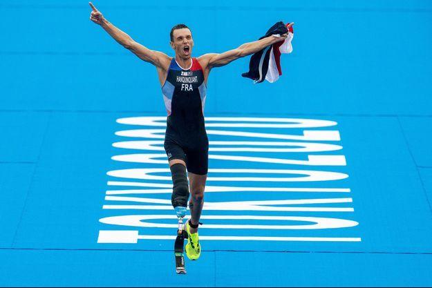 L'or au triathlon pour Alexis Hanquinquant.