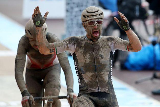 Sonny Colbrelli a remporté Paris Roubaix au sprint.