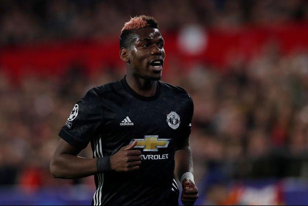Le milieu de terrain de Manchester United Paul Pogba.