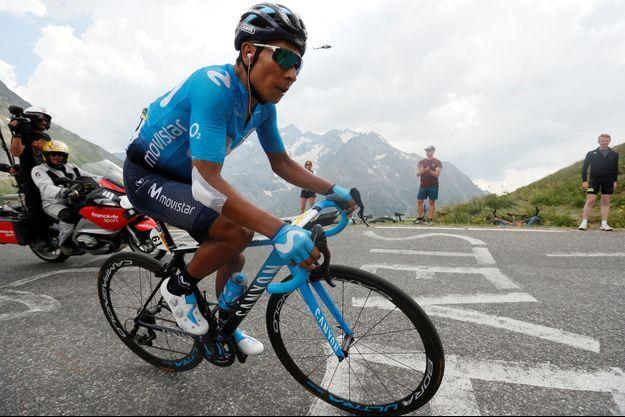 Nairo Quintana file vers Valloire et la victoire d'étape.