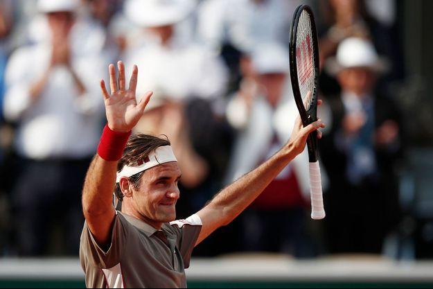Roger Federer s'est qualifié en quatre sets face à Stan Wawrinka.
