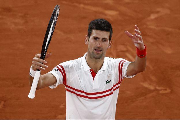 Novak Djokovic s'est imposé en quatre sets.