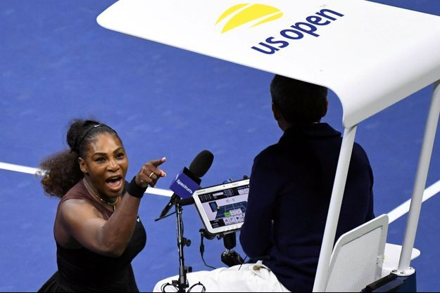 Serena Williams invective Carlos Ramos, l'arbitre de la finale dames.