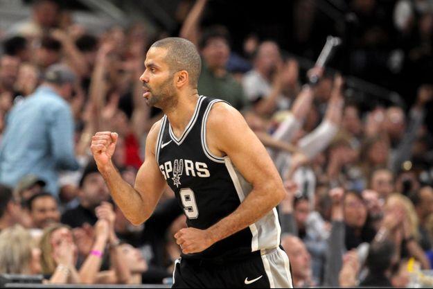 Tony Parker sous le maillot des San Antonio Spurs.