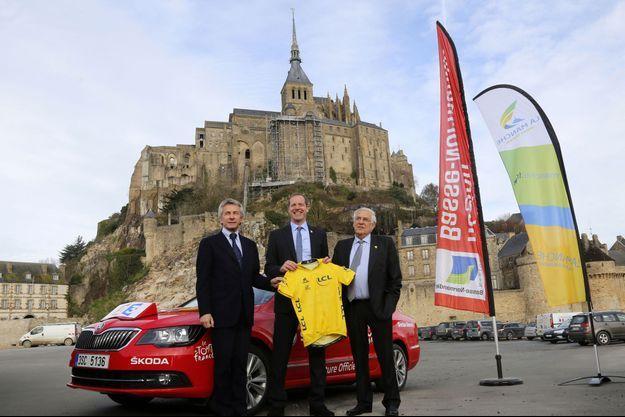 Laurent Beauvais, Christian Prudhomme et Jean-Francois Legrand au Mont-Saint-Michel.