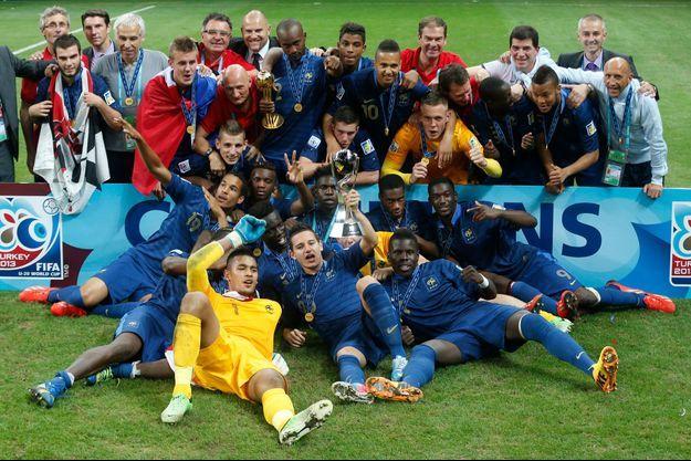 L'équipe de France des moins de vingt ans en 2013.
