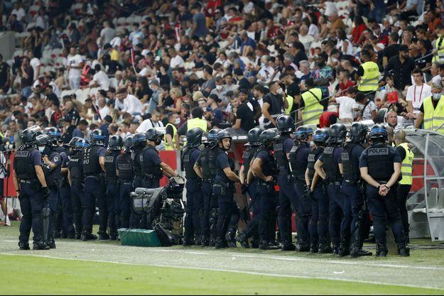 Les incidents survenus lors du match Nice-OM vont faire l'objet d'une enquête.