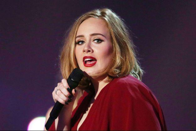 Adele en concert aux Brit Awards 2016