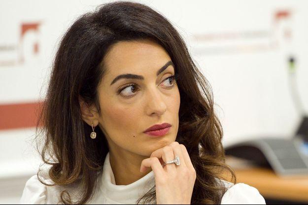 Amal Clooney lors d'une conférence de presse le 5 octobre dernier à Londres.
