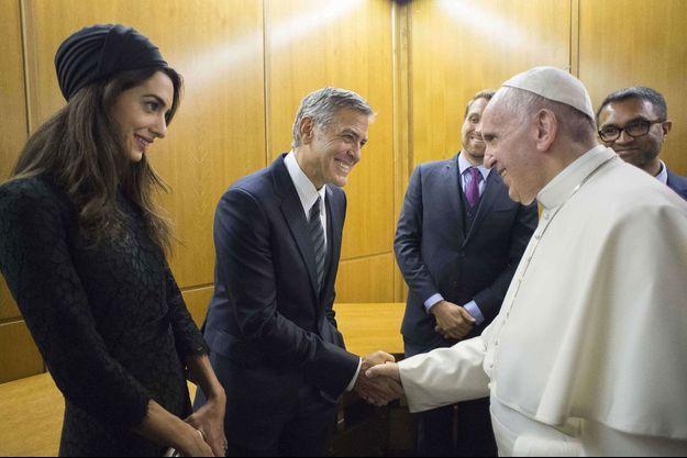 Amal et George Clooney rencontrent le Pape François au Vatican, 2016