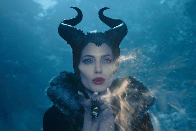 """Angélina Jolie, redoutable sorcière dans """"Maléfique"""""""