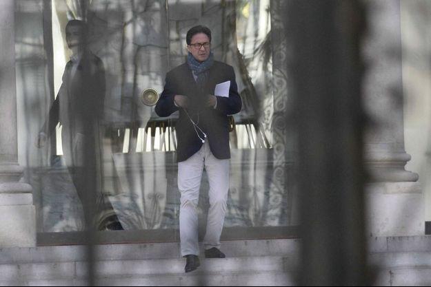 Aquilino Morelle quitte l'Elysée après la réunion du 29 mars, consacrée au deuxième tour des municipales. Sa vraie sortie, il la fera le 18 avril, en démissionnant, 24 heures après les accusations de Mediapart.