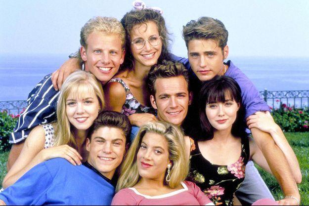 """Un téléfilm sur les dessous des quatre premières saisons de """"Beverly Hills"""" va voir le jour."""