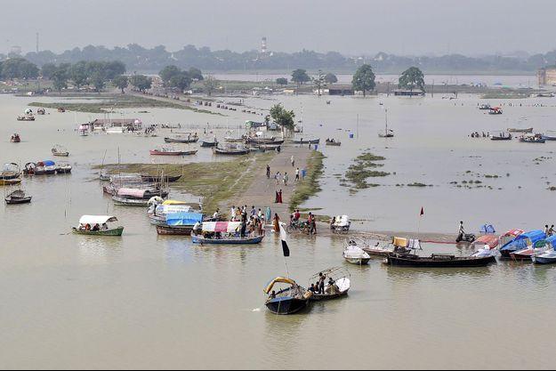 L'Inde, submergée par la montée des eaux du Gange.