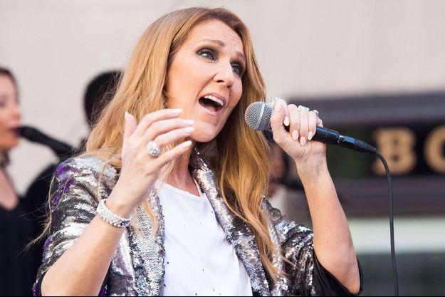 """Céline Dion sur la scène de l'émission """"Today Show"""" sur NBC"""