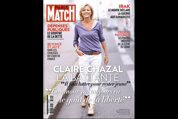 En couv de Paris Match, Claire Chazal, le 4 septembre 2014, sous l'objectif de Sylvie Lancrenon, tout près de son appartement, où elle nous a reçus pour sa rentrée.